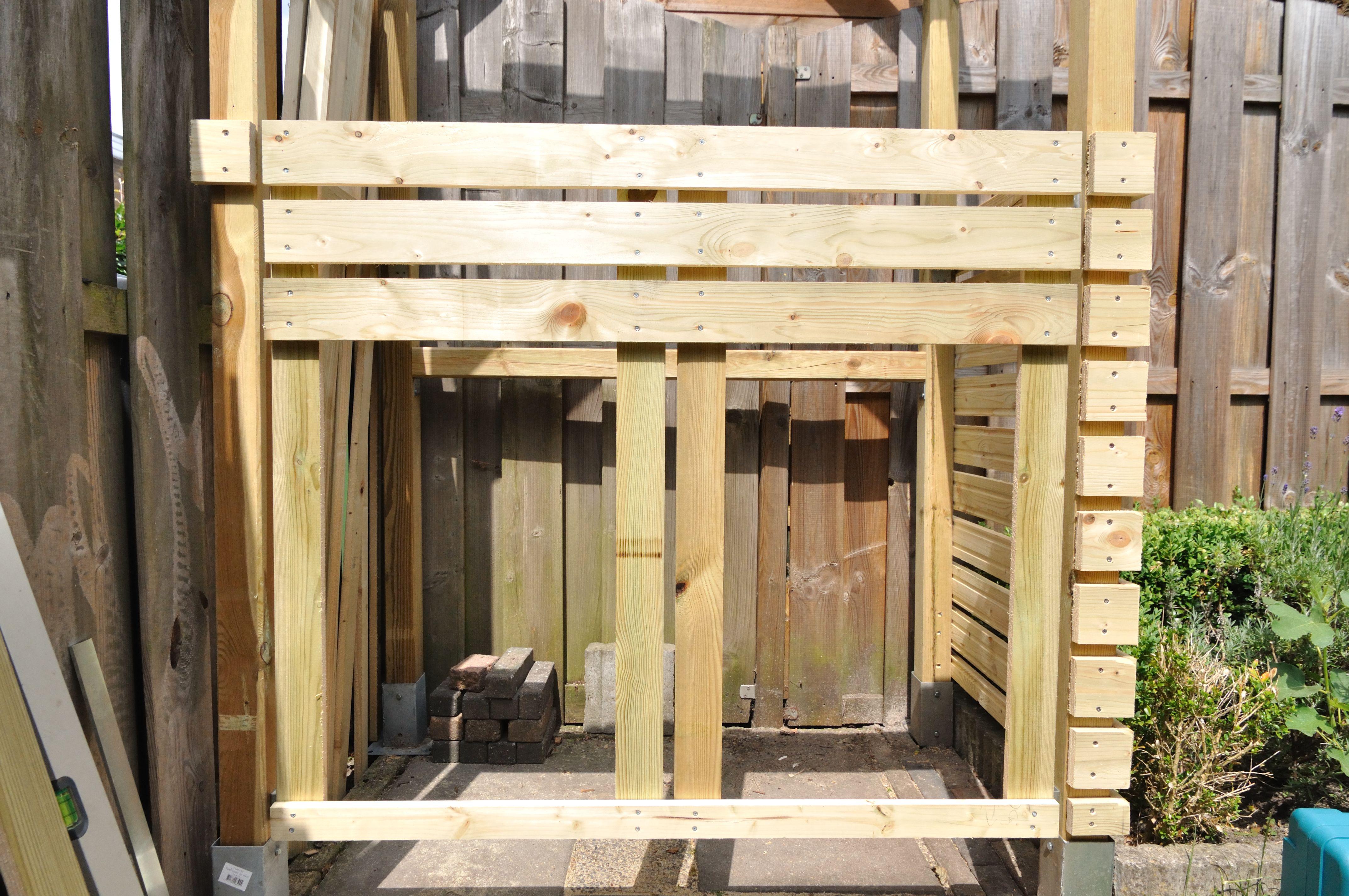 Deur framen in aanbouw